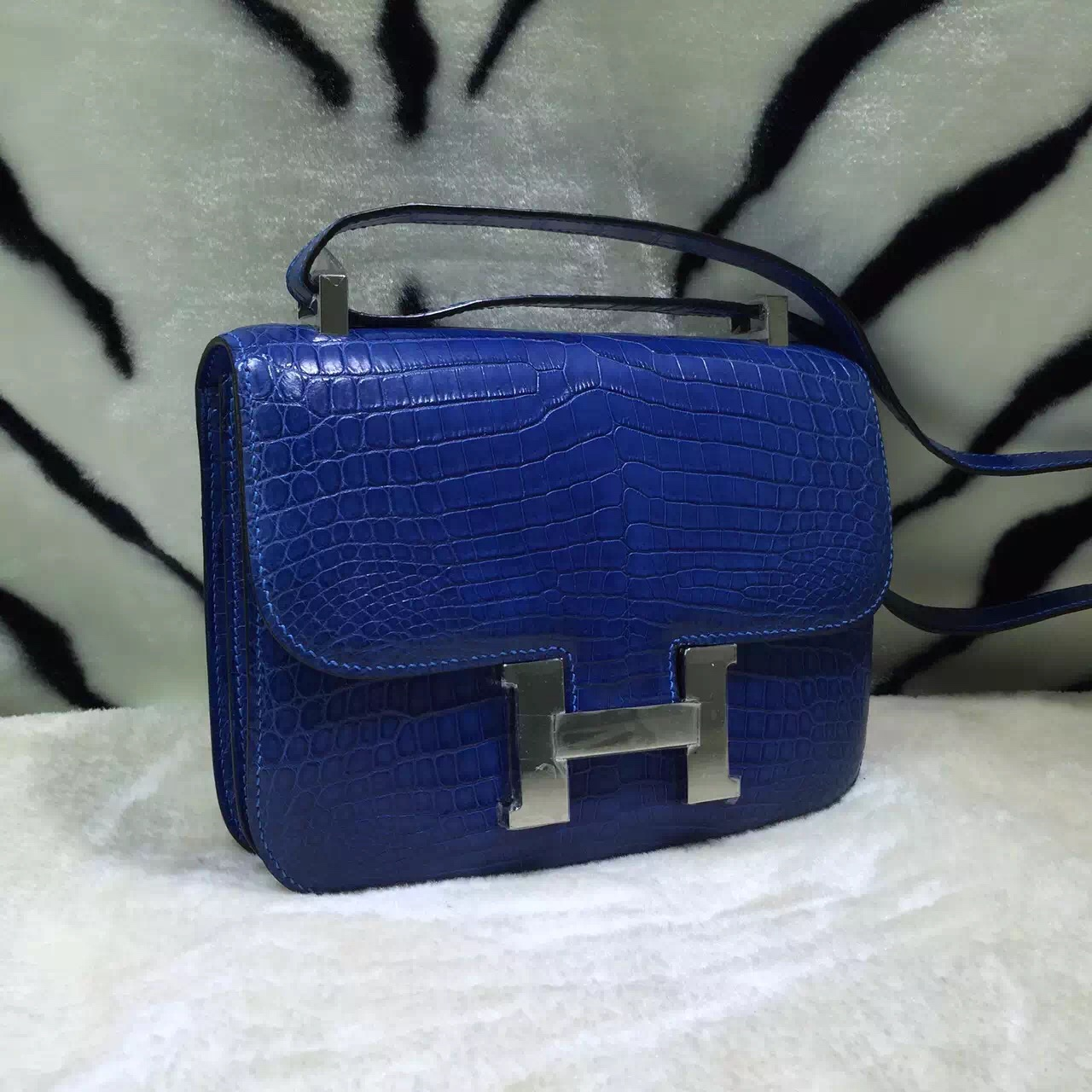 Luxury Women\u0026#39;s Bag Hermes 7Q Mykono Blue Crocodile Skin Constance ...