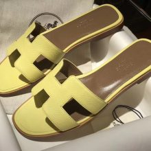 Pretty Hermes Calf Leather Flat Women's Sandals in Jaune Poussin Size35-41