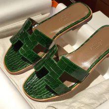 Elegant Hermes ShinyCrocodileLeather Women's Sandals Shoes in Emerald Green